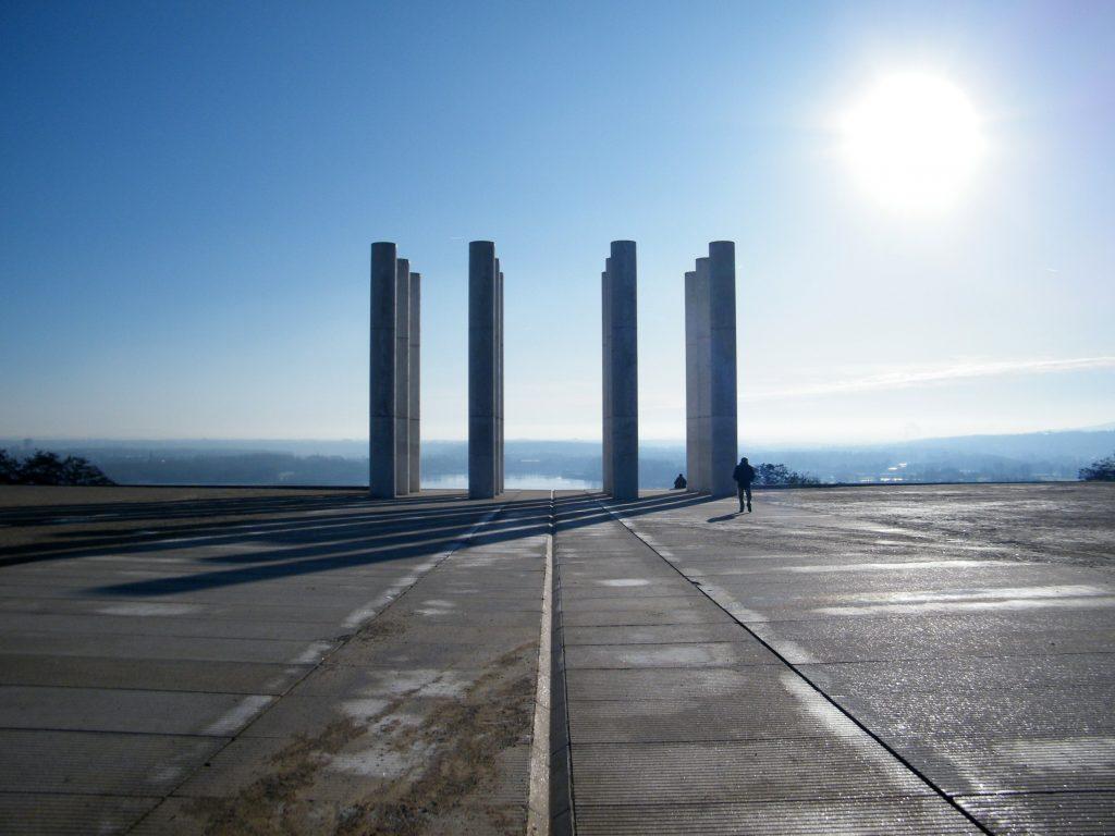 Les 12 colonnes, Cergy